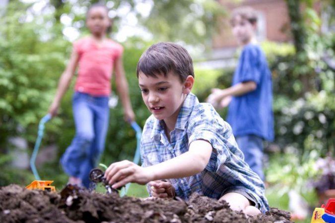 Poisonous Plants to Avoid in a Children's Garden