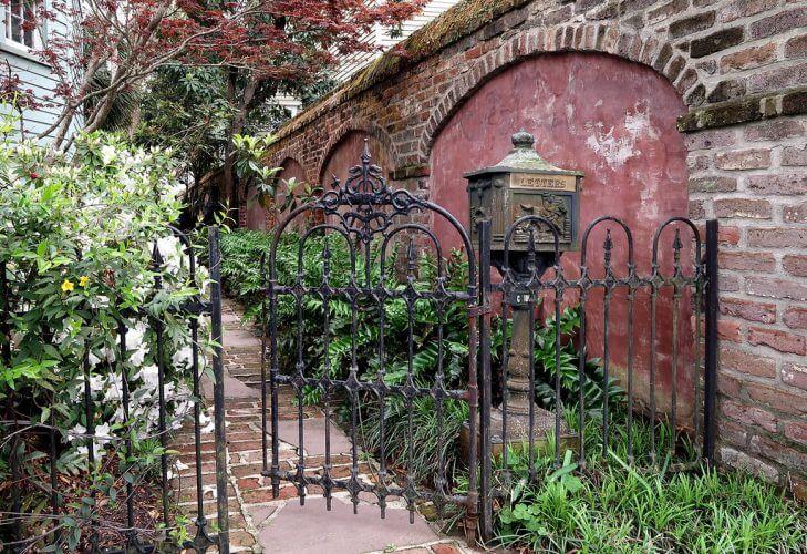Landscaping Designs With Garden Metalwork
