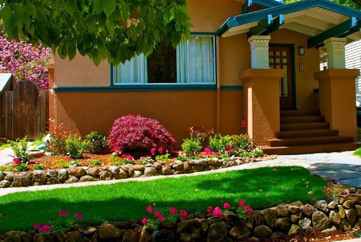 7 Garden Design Ideas That Showcase Your Home's Natural Beauty