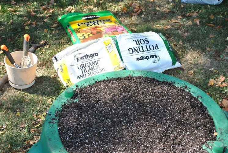 How to Make Potting Soil For your Garden